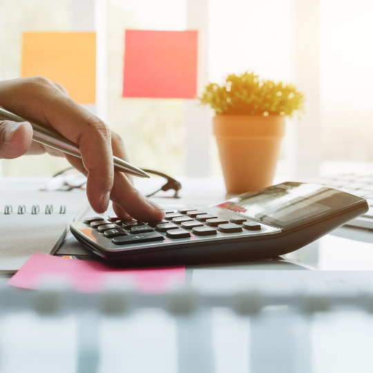 Bookkeeping Mornington Peninsula calculator and hand